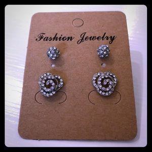 2 Pairs Like New Flowers Crystals Stud Earrings!
